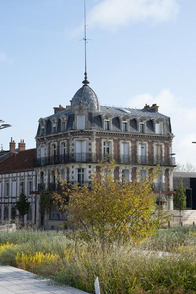 Face à la gare, le Palladium se restaure en immeuble de bureaux