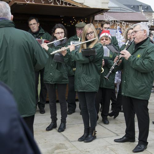 L'harmonie municipale ouvre le marché de Noël